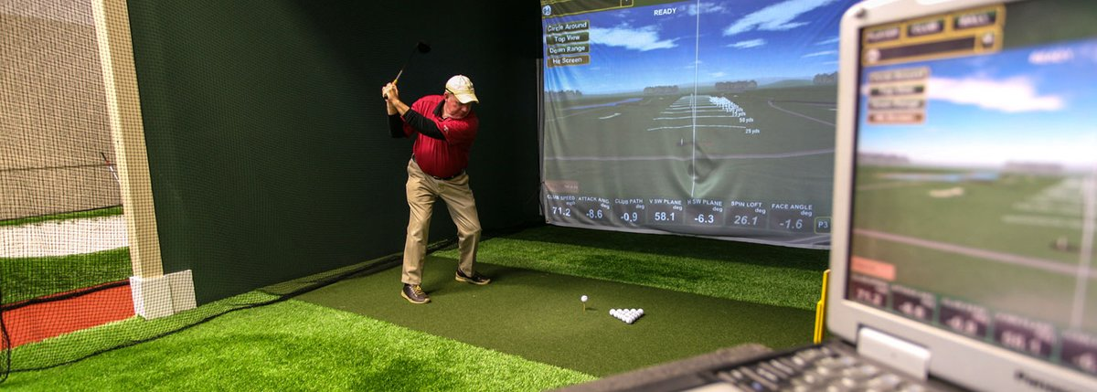 Golf Academy with Advanced Equipment
